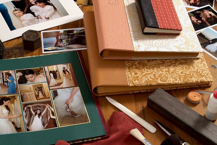 אלבומי תמונות בעבודת יד, תמונות בהדבקה