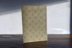 מחברת שורות עטופה בד בז׳, נייר ממוחזר ללא חומצה PH מאוזן