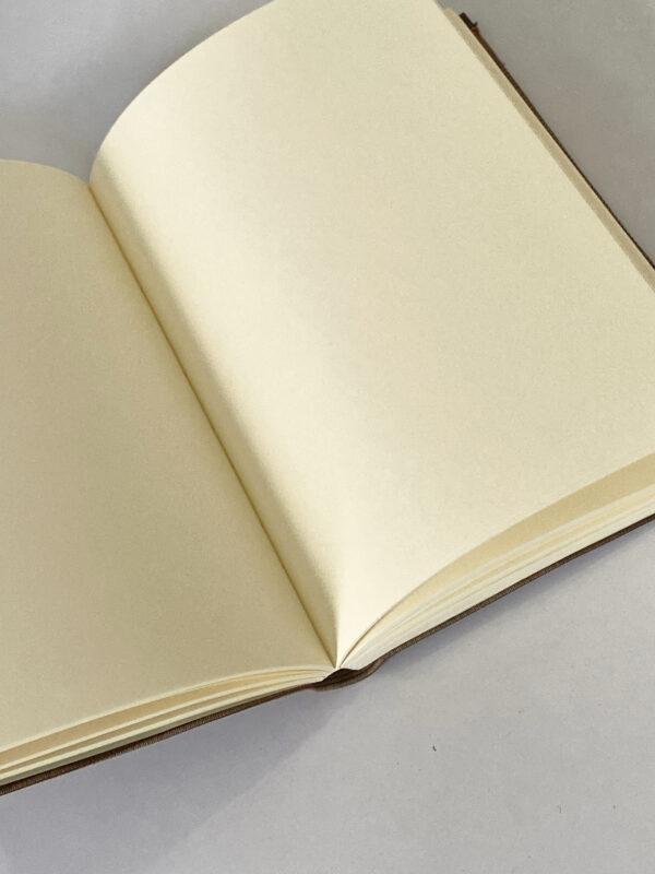 מחברת דפים חלקים